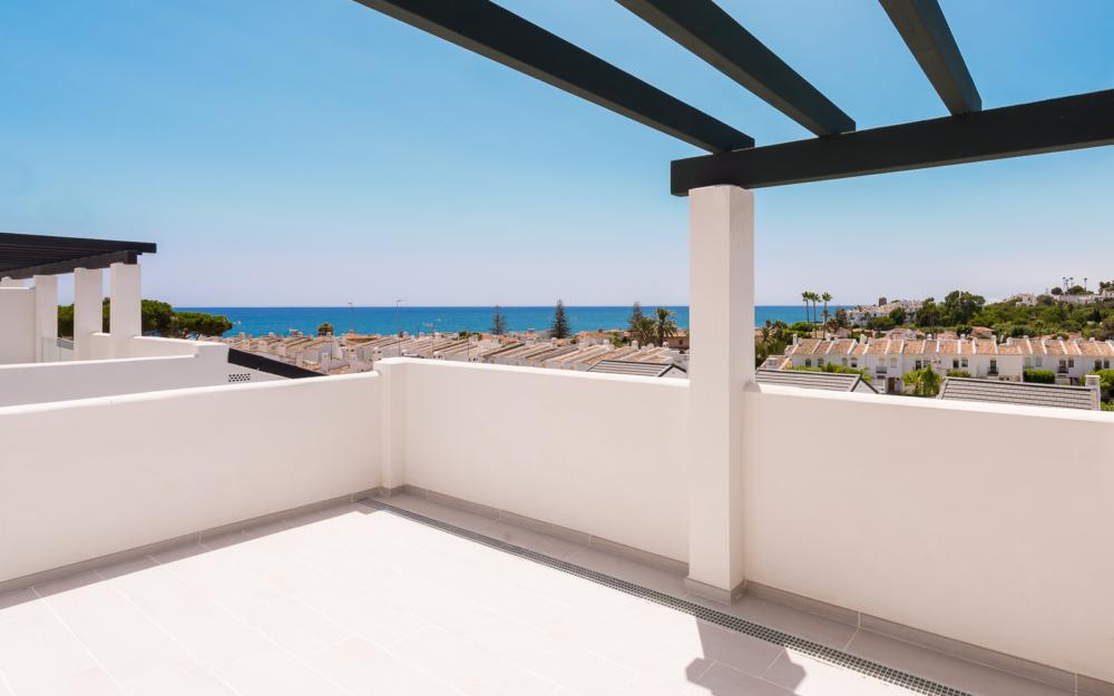 Penthouse à quelques mètres de la plage à Estepona – HRD1765
