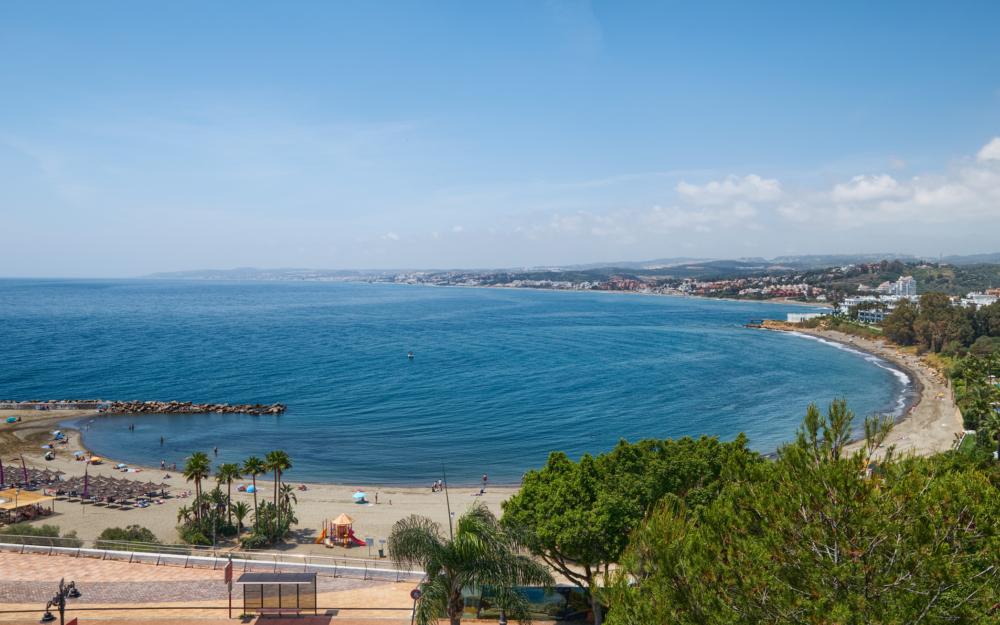 Magnifique appartement tout proche du port et de la plage d'Estepona – HRA1670