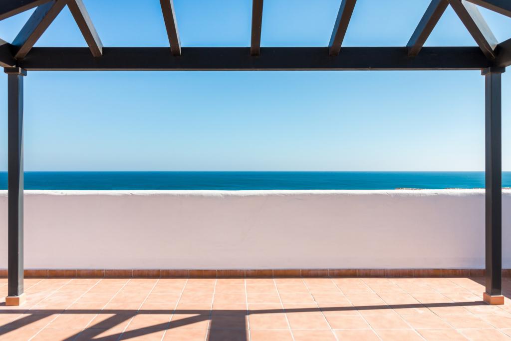 Penthouse de style moderne proche de la plage – HRD1529