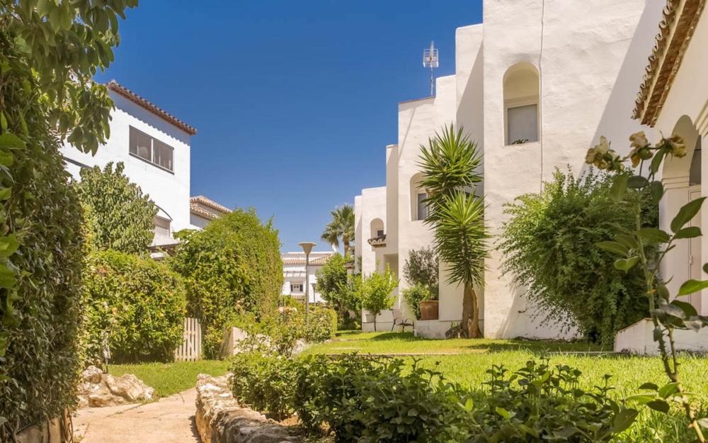 Maison à vendre à Estepona – R3350704