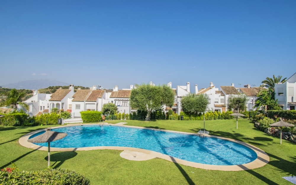 Beautiful townhouse for sale in Bel Air Estepona – R3497872