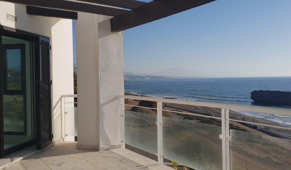 Fabulous front line beach apartment – R3380359