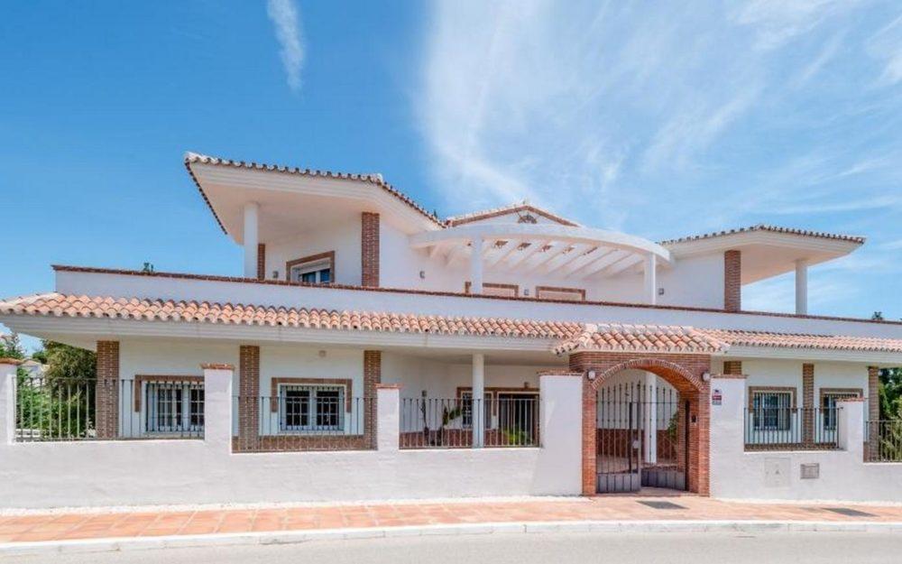 Fantastica villa independiente frente al golf – HRV2381